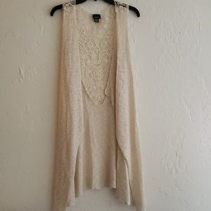 Rue21 Short Sleeve Embroiderd Cardigan